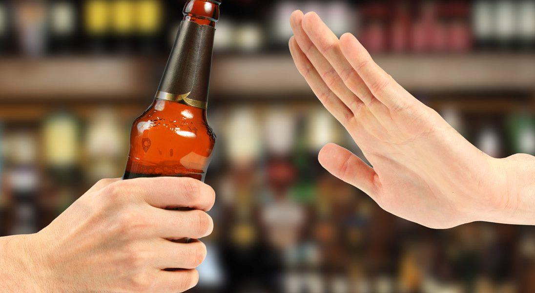 Người bệnh vi mạch vành cần hạn chế sử dụng rượu bia